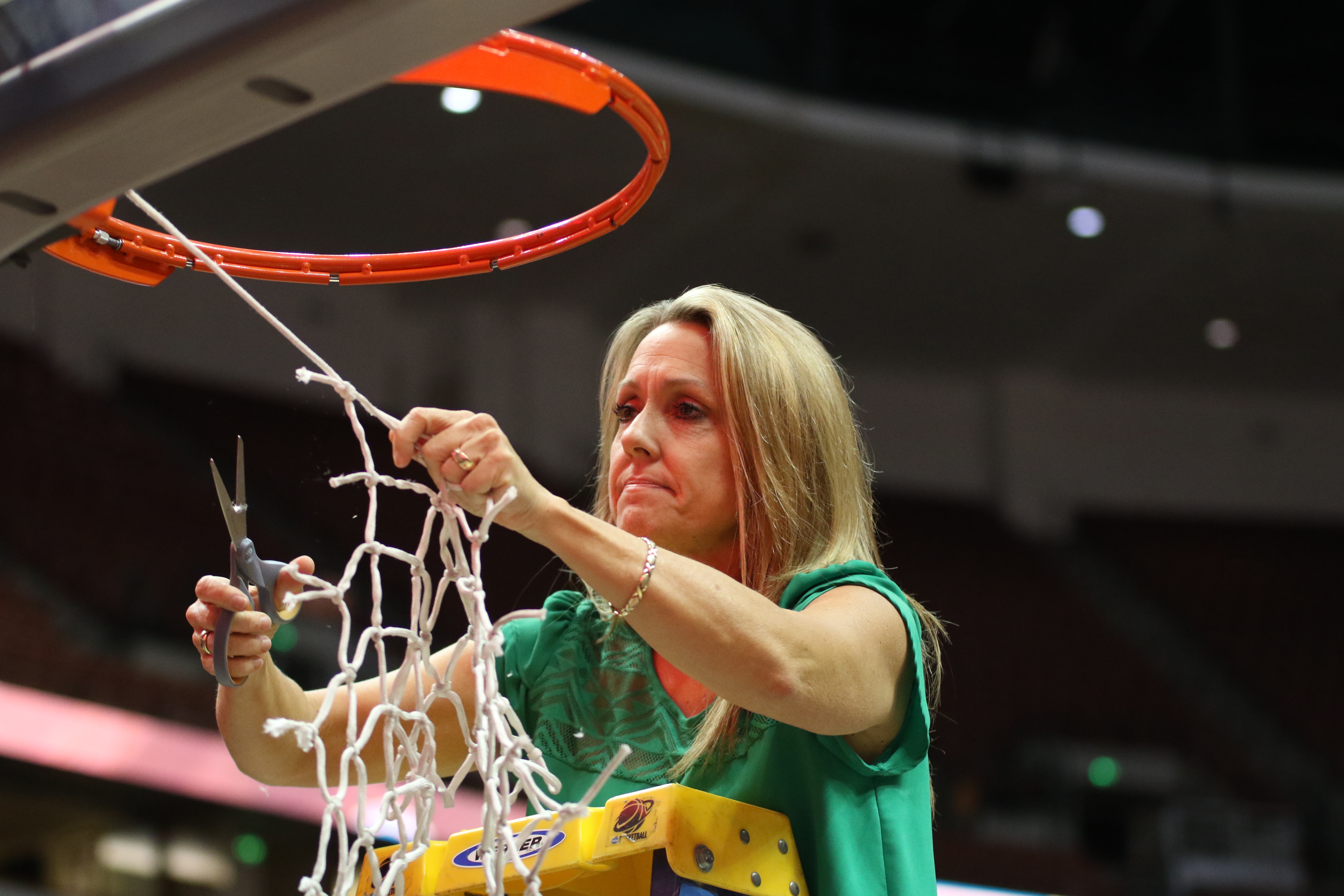 The UH Wahine basketball team faces UC Davis for the championship of the 2016 Big West Tournament at the Honda Center, Anaheim, CA on March 12, 2016. Photo: Brandon Flores.